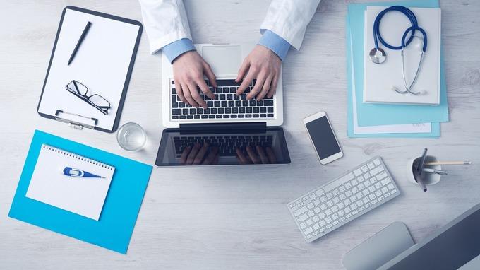 Digitalizzazione sanità, tecnologia strumento efficace per rimanere al fianco del paziente
